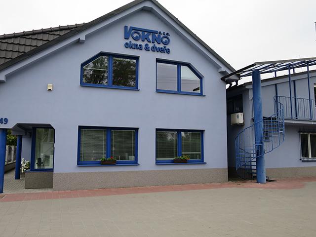 Administrativní budova firmy V okno