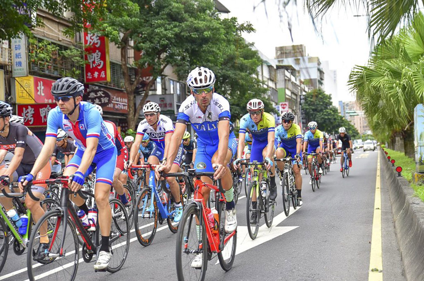 Tour de Formosa - peleton